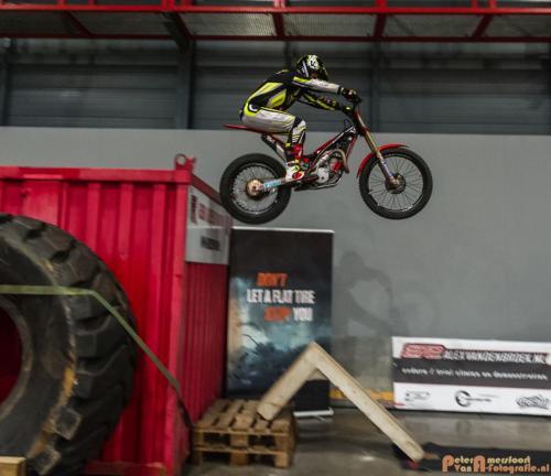 2018-02-23 Motorbeurs - Trialdemo Alex vd Broek 013